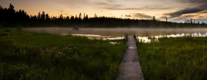 Solnedgång vid Söråseleforsen<br>12 bilder sammansatta i Photoshop. 6 stycken eponerade för förgrunden och 6 för himlen